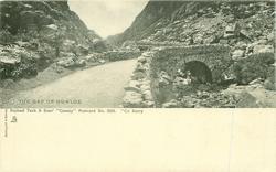 CO. KERRY, THE GAP OF DUNLOE