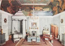 THE QUEEN'S BEDROOM