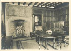 PANELLED ROOM WITH EARLY ENGLISH ORIGINAL FIREPLACE AND MANTELPIECE