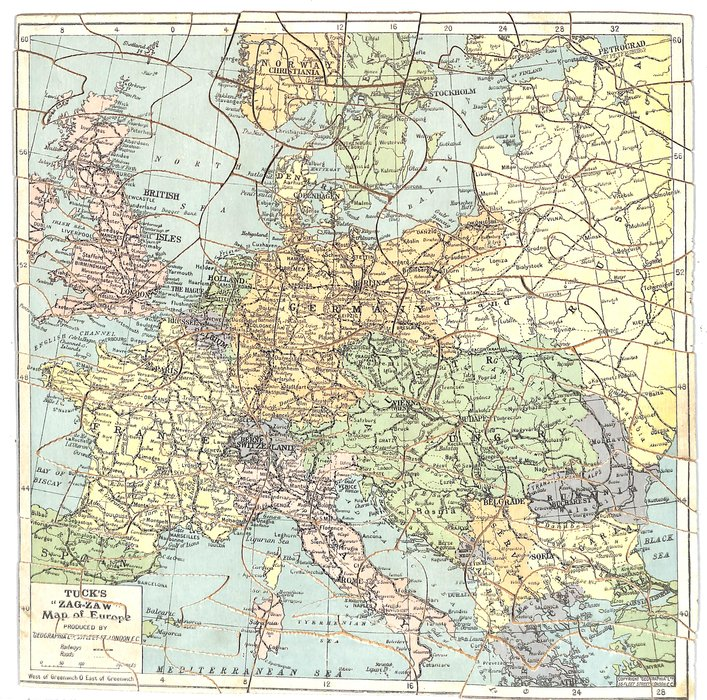 WAR MAP OF EUROPE(on label) TUCK'S ZAG-ZAW MAP OF EUROPE(on puzzle)