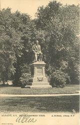 STATUE OF ROBERT BURNS