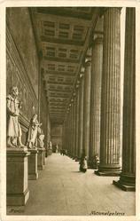 NATIONALGALERIE  columns & statues