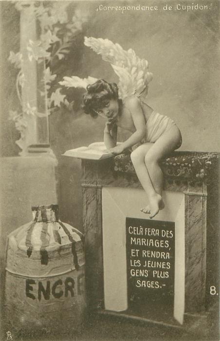 cupid sits on fireplace holding elbow on book looking front CELA FERA DES MARIAGES ET RENDRA LES JEUNES GENS PLUS SAGES.