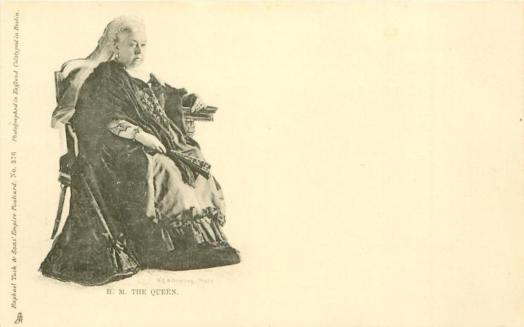 H.M. THE QUEEN  facing right, looking front-no verse