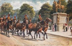 THE ROYAL HORSE ARTILLERY ON THEIR WAY TO FIRE A ROYAL SALUTE, PASSING  WELLINGTON STATUE