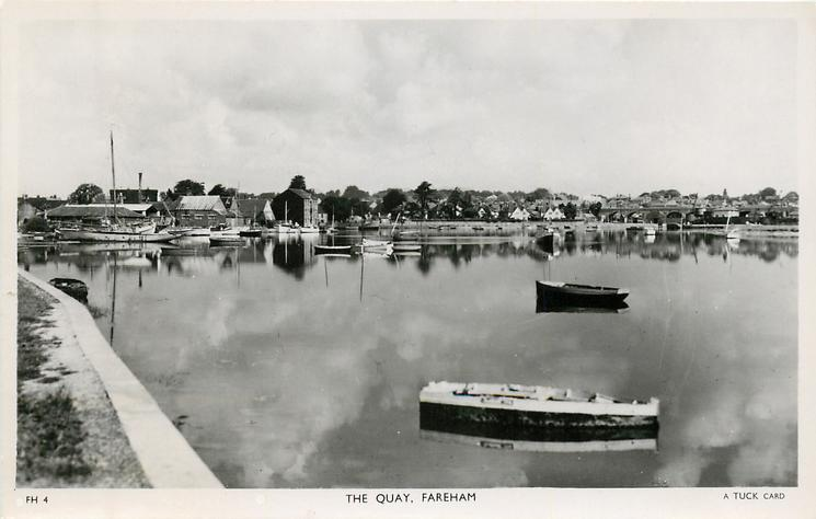 THE QUAY rowboats