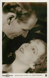 "JESSIE MATTHEWS AND JOHN GIELGUD  Movie "" The Good Companions""1933 they look at each other's eyes"