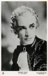 "CONRAD VEIDT IN ""JEW SUSS""  faces left, looks right, wears wig"