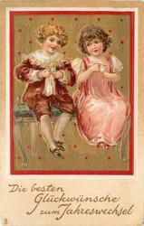 DIE BESTEN GLUCKWUNSCHE ZUM JAHRESWECHSEL two children eat ice cream