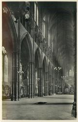 THE NAVE FROM THE WEST (SHEWING UNKNOWN WARRIOR'S GRAVE)