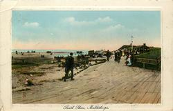 SOUTH SHORE much promenade, little sand