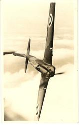 FAIREY BATTLE, FAST MANOEUVRABLE SINGLE-ENGINED BOMBER. RANGE OF 1000 MILES//LIGHTS IN WING