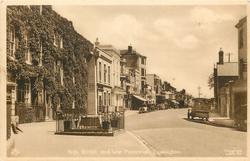 HIGH STREET AND WAR MEMORIAL