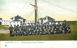 TRAINING STATION-GROUP OF MIDDIES