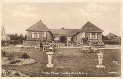 TRINITY POPLAR HOLIDAY HOME