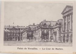 PALAIS DE VERSAILLES- LA COUR DE MARBRE