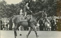 QUEEN ELIZABETH ON HORSE WITH SIDESADDLE